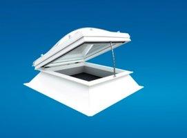 Elektrische lichtkoepel ventilatie dagmaat 70x70cm