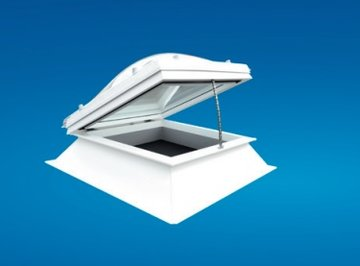 Elektrische lichtkoepel ventilatie dagmaat 80x80cm