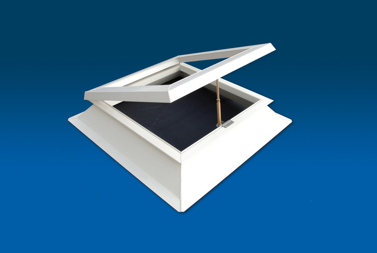 Lichtkoepel met ventilatie 80x80cm PVC opstand