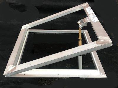 Opzet ventilatieraam voor lichtkoepel 40x40cm
